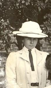 1907 Gwynneth Morris - Copy